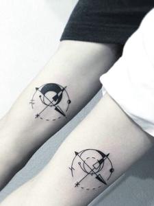 90后小情侣手腕小清新纹身图片