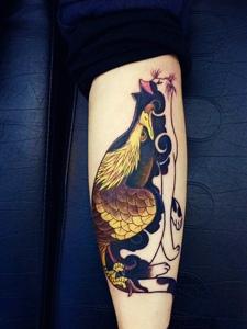 手臂小花猫纹身图片很抢眼