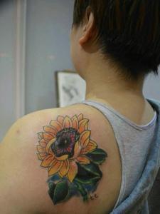 男人都想要的向日葵纹身