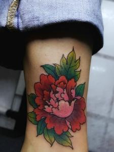 脚底花朵纹身图片点亮你的人生