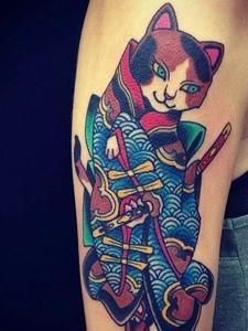一组日式猫捉老鼠的个性图腾纹身