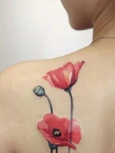 罂粟花纹身图片女人味散发