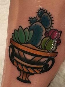 一组各色样的仙人掌纹身图片