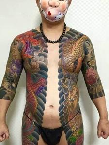 超级霸道的日式满身双半甲纹身图片