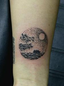 月光扁舟的文艺范儿图案纹身