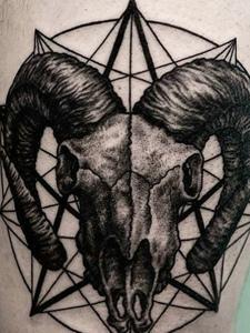 两款不一样风格的拼接图腾纹身刺青