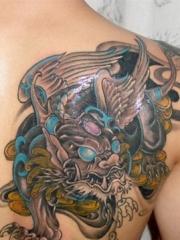 时尚经典的肩部貔貅纹身