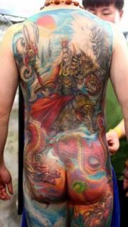 超酷超帅的满背二郎神杨戬纹身