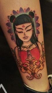 小腿上的一张哪吒纹身图片