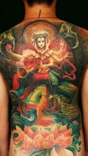 满背彩色哪吒纹身图片