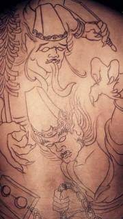 满背勾魂使者黑白无常纹身图