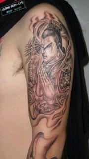 男性个性手臂二郎神纹身