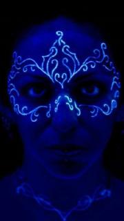 脸部荧光眼罩纹身图案