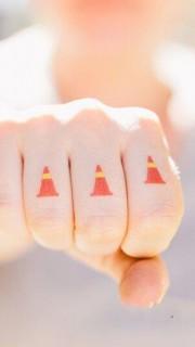 交通信号手指时尚纹身