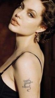 性感女神安吉丽娜·朱莉手臂的龙纹身图案