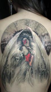 美女好看的满背天使纹身图案