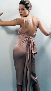 性感的安吉丽娜朱莉手臂和背部的刺青
