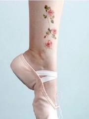 简约的花朵脚踝纹身小图案