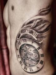 个性钟表时钟腰部纹身图案大全