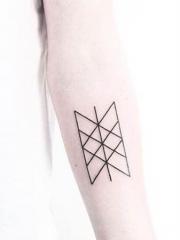 小清新的手臂几何纹身