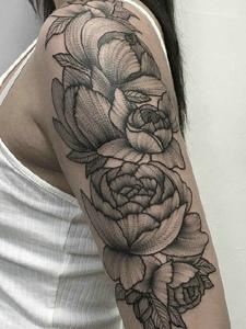 一组灵感丰富的黑灰图腾纹身刺青