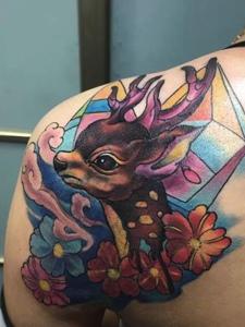 歐美風格的彩色小鹿紋身刺青
