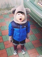 韩国小眼正太走红 圆脸发型憨态有爱