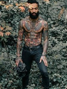树林丛里的艺术那满身图疼纹身图案