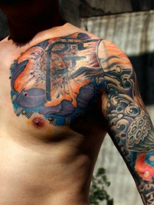 精彩有型的彩色半甲纹身图案