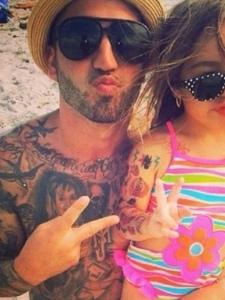 男士全身图腾纹身是个好爸爸