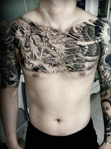 双半甲个性有型的复古邪龙纹身图案