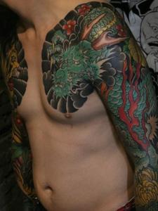 炫酷有魅力的雙半甲邪龍紋身圖案
