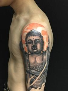 经典十足的手臂如来佛祖纹身图案