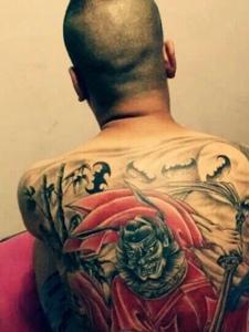 满背彩色老传统钟馗纹身图案
