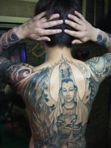 男士满背女观音纹身图案霸气十足