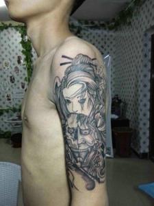 花妓与般若在一起的手臂纹身图案
