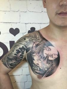 超级霸气威武的半甲图腾纹身图案