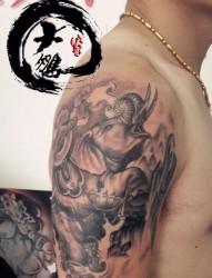 胳膊象神纹身