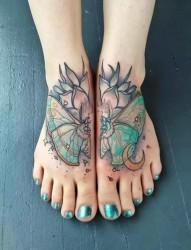 不一样的脚背纹身