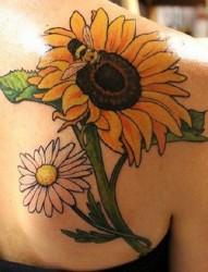 向阳而开的向日葵纹身
