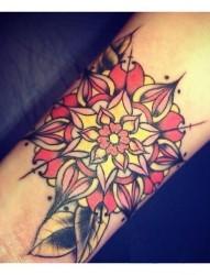 唯美花朵纹身