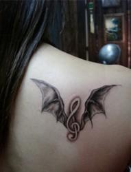 神秘的恶魔翅膀纹身图片