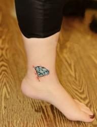 璀璨夺目的钻石纹身