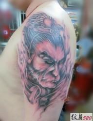 一组胳膊斗战胜佛纹身图片