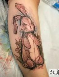 纹身艺术家Naomi的兴趣小植物纹身