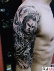 手臂大臂上個性霸氣的二郎神楊戩紋身圖案
