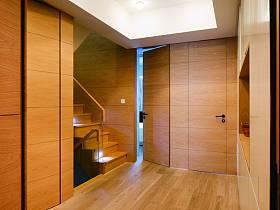 美式混搭隱形門樓梯設計方案
