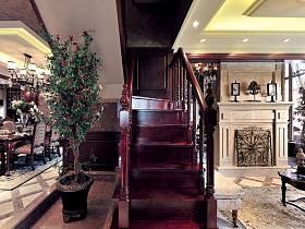 美式客厅楼梯装修效果展示