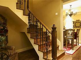 美式過道樓梯裝修圖