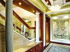美式别墅过道吊顶案例展示